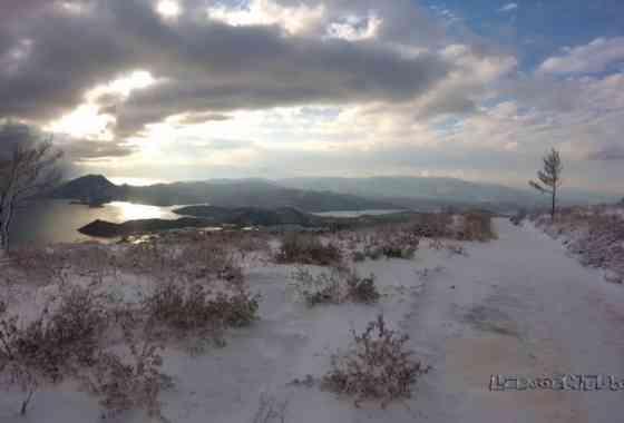 Amali Mountain in white - Video